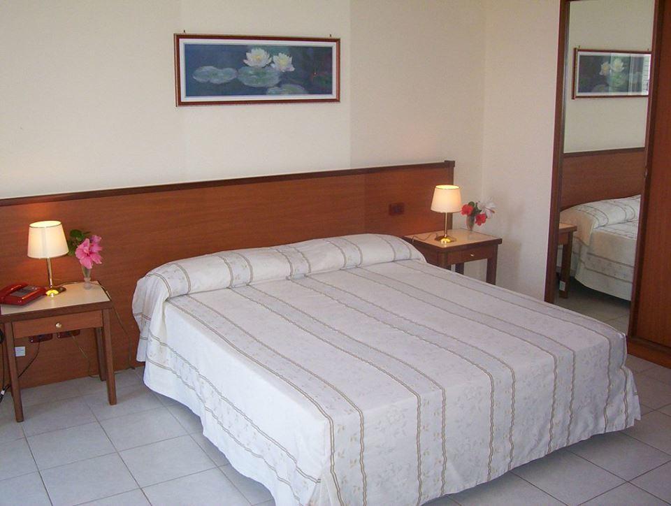 1 saint george hotel gioiosa marea